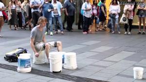 Niesamowity perkusista grający na…