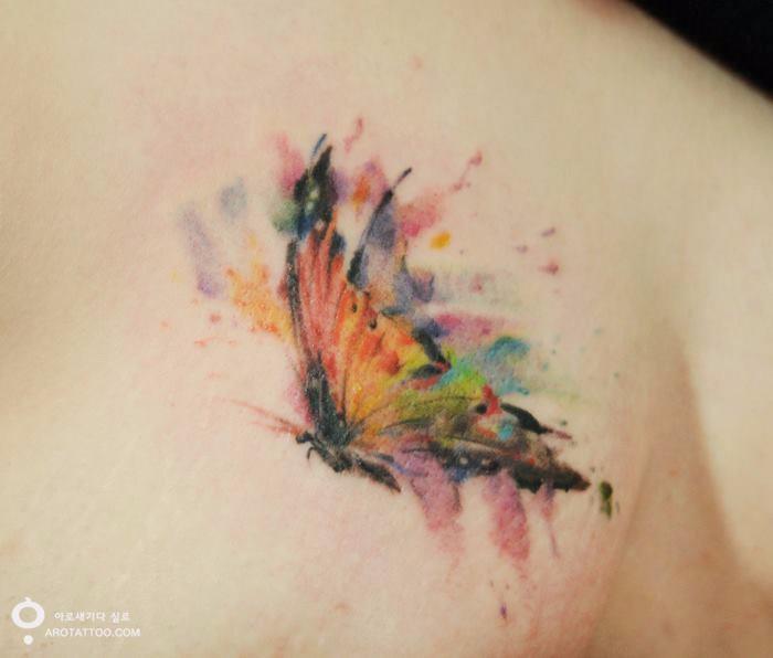Koreańskie Studio Oferuje Klientom Tatuaże Imitujące