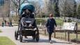 Amerykańska firma oferuje rodzicom jazdy testowe w gigantycznych wózkach dla dzieci.